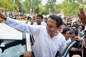 Hours After Being Sworn in as Madhya Pradesh CM, Kamal Nath Clears Farm Loan Waiver