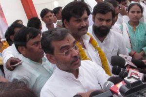 BJP Ally Kushwaha Meets Opposition Leader Sharad Yadav, Fuels Speculation