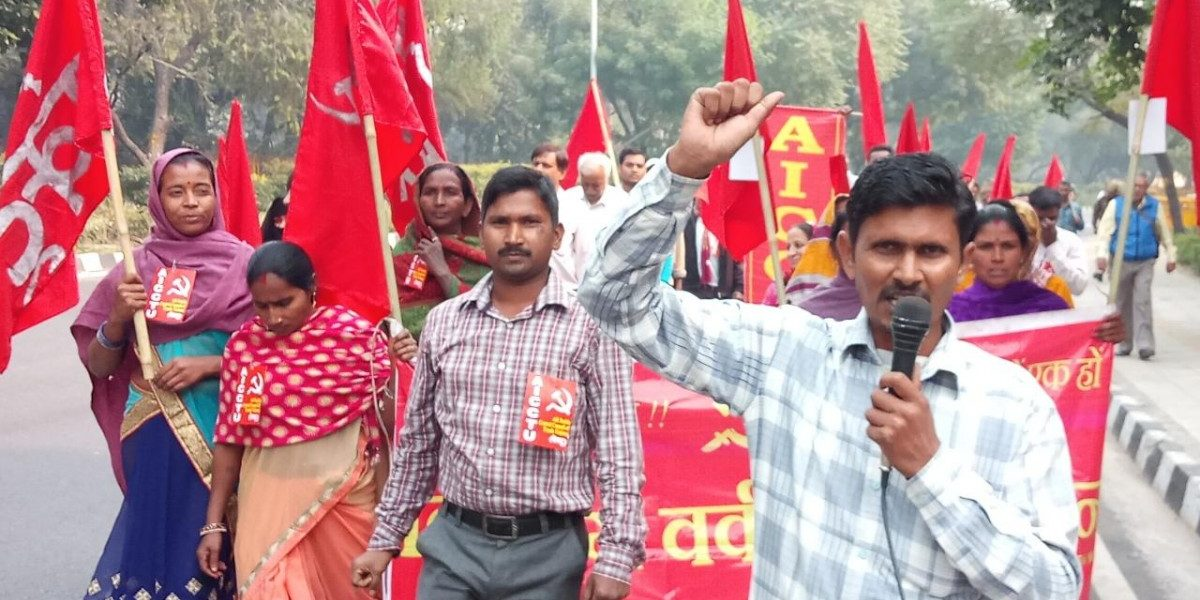 After a Gloomy Diwali, Delhi's Construction Workers Hunger for Lost Wages
