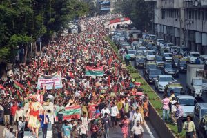 Farmers March to Mumbai's Azad Maidan for Land Rights, Drought Relief