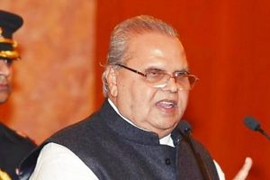 Advertisement-Mad Centre Finds Perfect Governor in J&K's Satya Pal Malik
