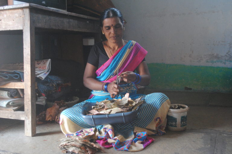 Lata, rolling bidis for a living like many other women in Bhumpally. Credit: Meena Menon.