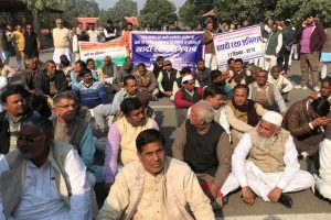 Khadi Workers on 'Satyagraha' Against Government Neglect