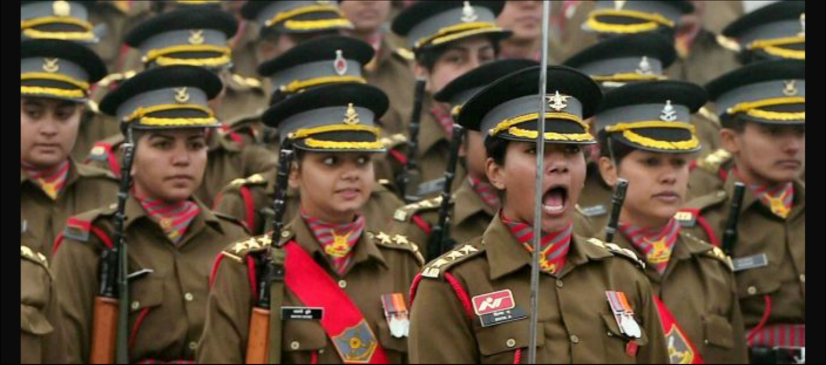 Women in Combat: The Navy Chief Spoke Sense but the Army Chief Did Not