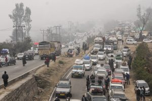 Massive Landslide Hits Jammu-Srinagar Highway, Traffic Suspended