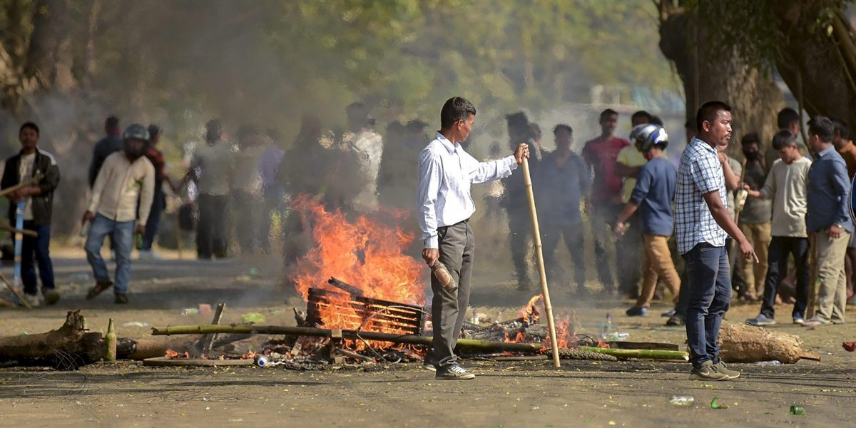 Day Two of Bharat Bandh: Sporadic Violence in Bengal; Kerala Bank Branch Attacked