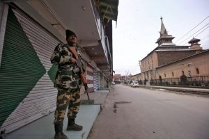 After Mass Arrests, Official Orders to Stock Medicines, Food Fuel Panic in Kashmir