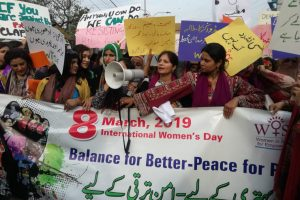 Armed With Wit and Humour, Pakistani Women Take to the Streets for 'Aurat March'