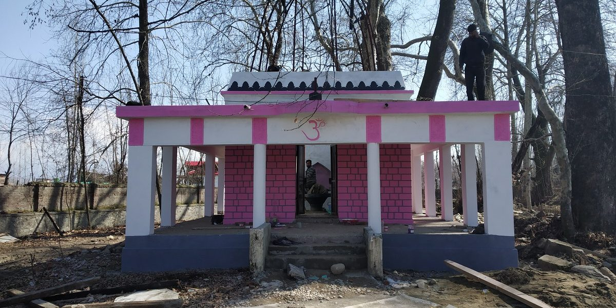 Muslims and Pandits Work Together to Restore a Temple in Kashmir