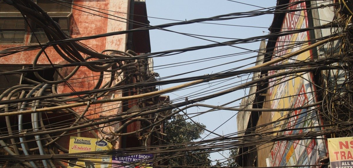 Overhead Wires in Delhi – A Brief History of the Unholy Mess