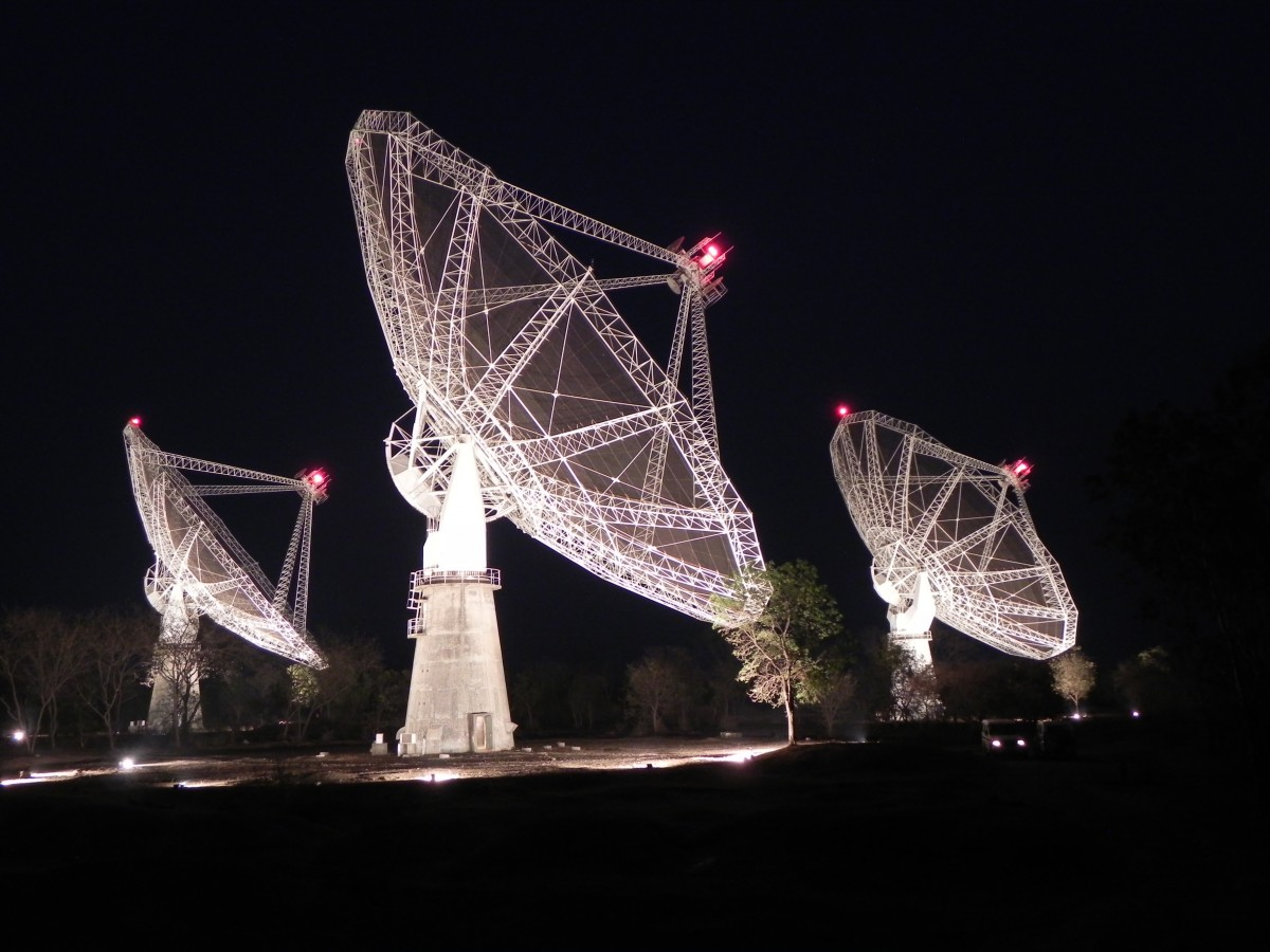 The Giant Metre-wave Radio Telescope, Pune. A radio telescope's antenna is its dish. Credit: NCRA/TIFR