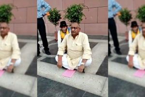 After Being Denied a Ticket, BJP UP MP Bhairon Prasad Mishra Stages Protest