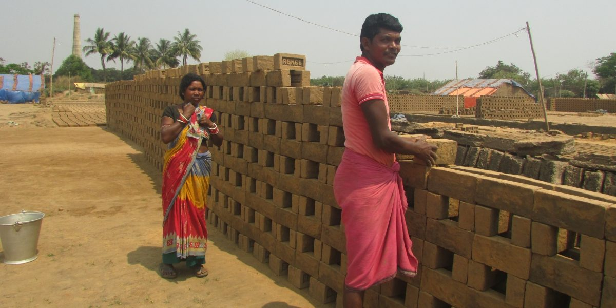 Lakhs of Migrants from Western Odisha Deprived of Voting Rights
