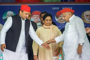 After Decades of Rivalry, Mayawati, Mulayam Share Dais, Praise Each Other