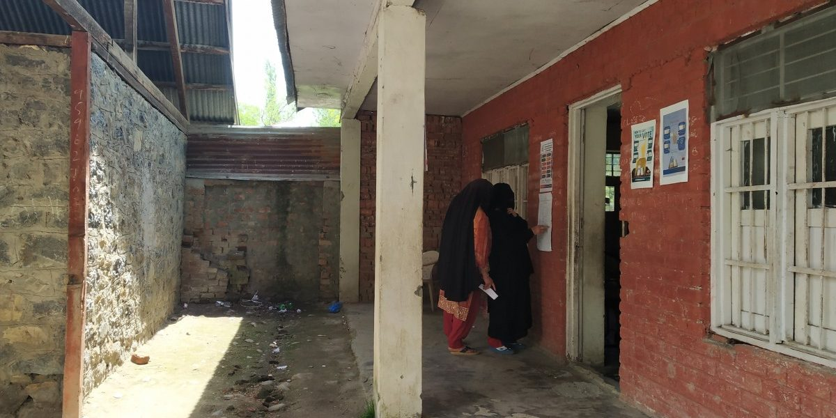 Sharp Decline in Voter Turnout Marks Steady Fall of Mainstream Politics in Kashmir