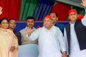 Mulayam, Mayawati Sharing a Stage is Reminiscent of an Electrifying Combine
