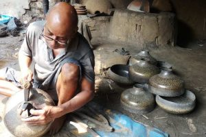 Bengal's Brass Workers Labour to Sustain Tradition