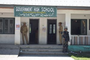 In Shopian and Pulwama, Voters Prefer to Stay Indoors