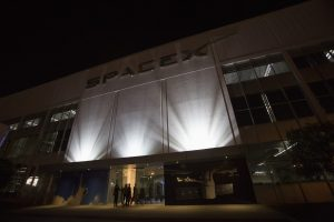 'Excessive Winds' Force SpaceX to Postpone First Launch of Starlink Satellites