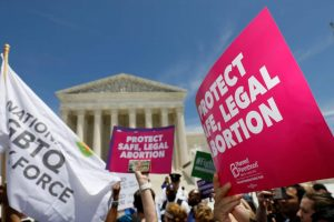 Hundreds Rally at US Supreme Court Against Abortion Bans in Eight States