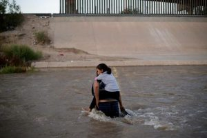 US Targets Families for Deportation to Discourage Migrants