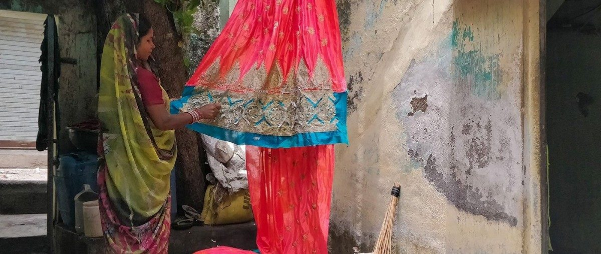 The Odisha Women Who Pull out Threads for 500 Minutes Every Day