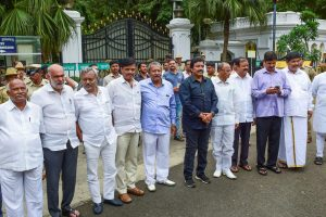 SC Upholds Disqualification of Karnataka MLAs, but Allows Them to Contest Bypolls