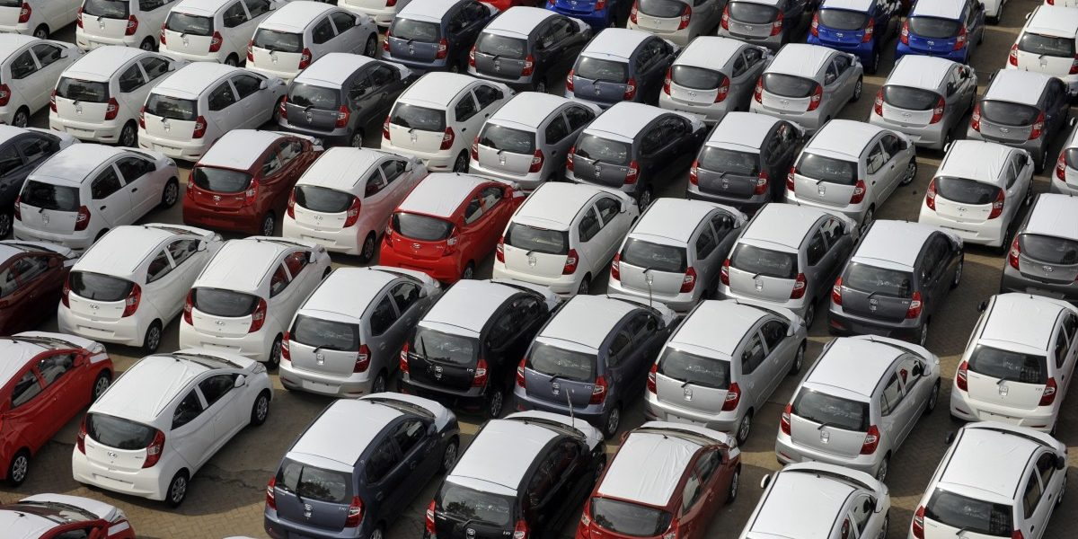 Passenger Vehicle Sales Plunge 31%, Steepest Fall In Nearly 2 Decades