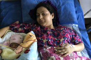 In a Ravaged Kashmir, One Woman's Fight to Give Birth