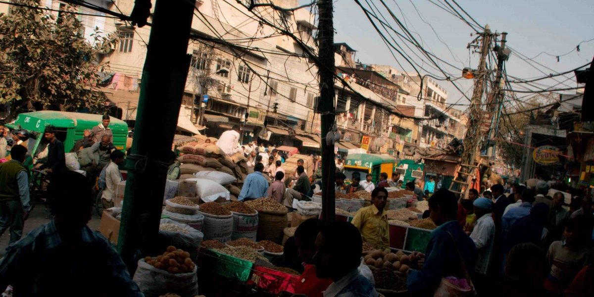 Rampant Encroachment in Markets Is Pushing out Pedestrians