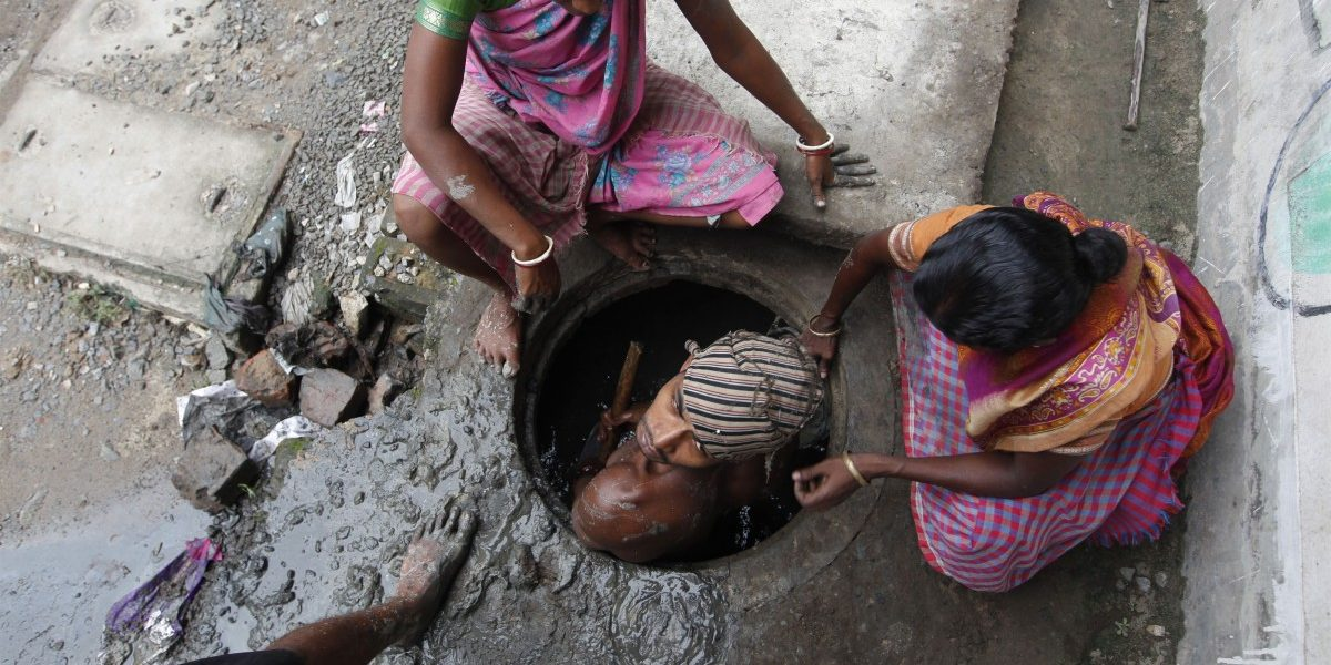 'Nowhere in World People Sent to Gas Chambers to Die', Says SC on Manual Scavenging