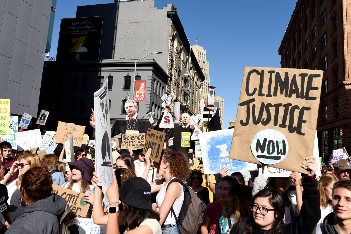 Young people protest at the San Francisco Federal Building during a climate strike on September 20, 2019. Photo: Reuters/Kate Munsch/Files