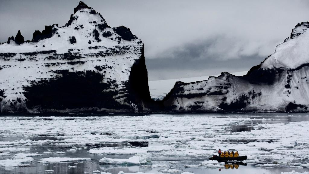 Scientists Hope Million-Year-Old Antarctic Ice Will Reveal Climate Secrets