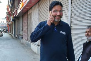 'From the Stone Age, Back to Modern Times': Kashmiris React to Restored Postpaid Mobiles