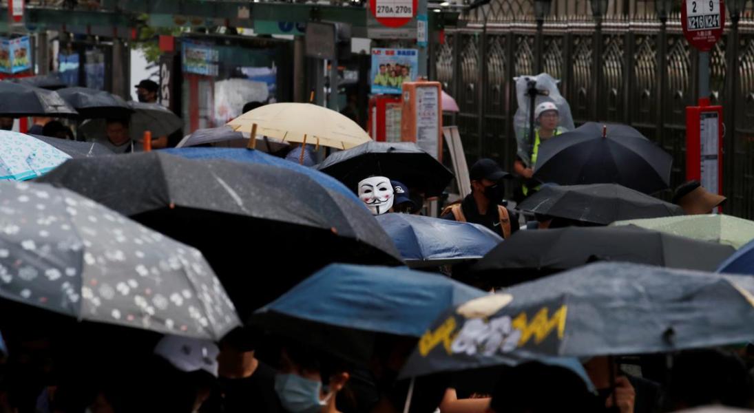 Hong Kong Protestors Defy Face Mask Ban – With Humour