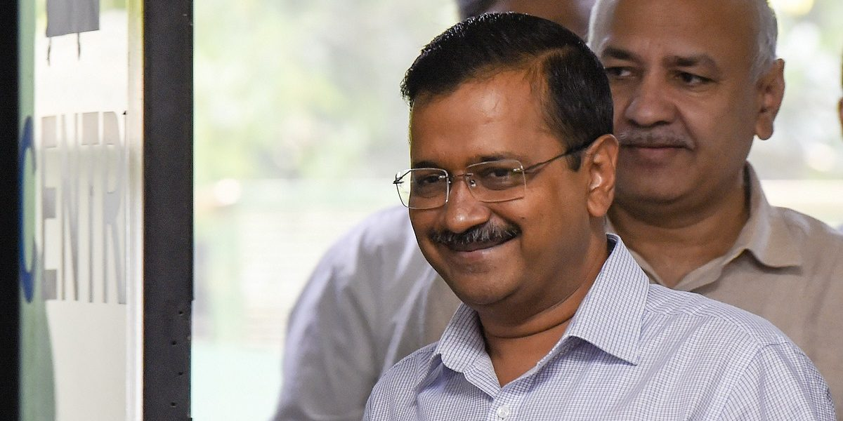 Arvind Kejriwal Issues a 'Guarantee Card' to Provide a Safer, Cleaner Delhi