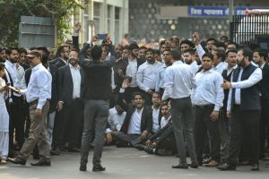 Lawyers' Strike to Continue as Meeting to Resolve Tension With Police Fails