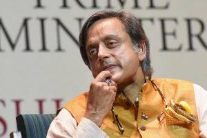 Shashi Tharoor-Headed Parliamentary Panel to Take up WhatsApp Snooping Case