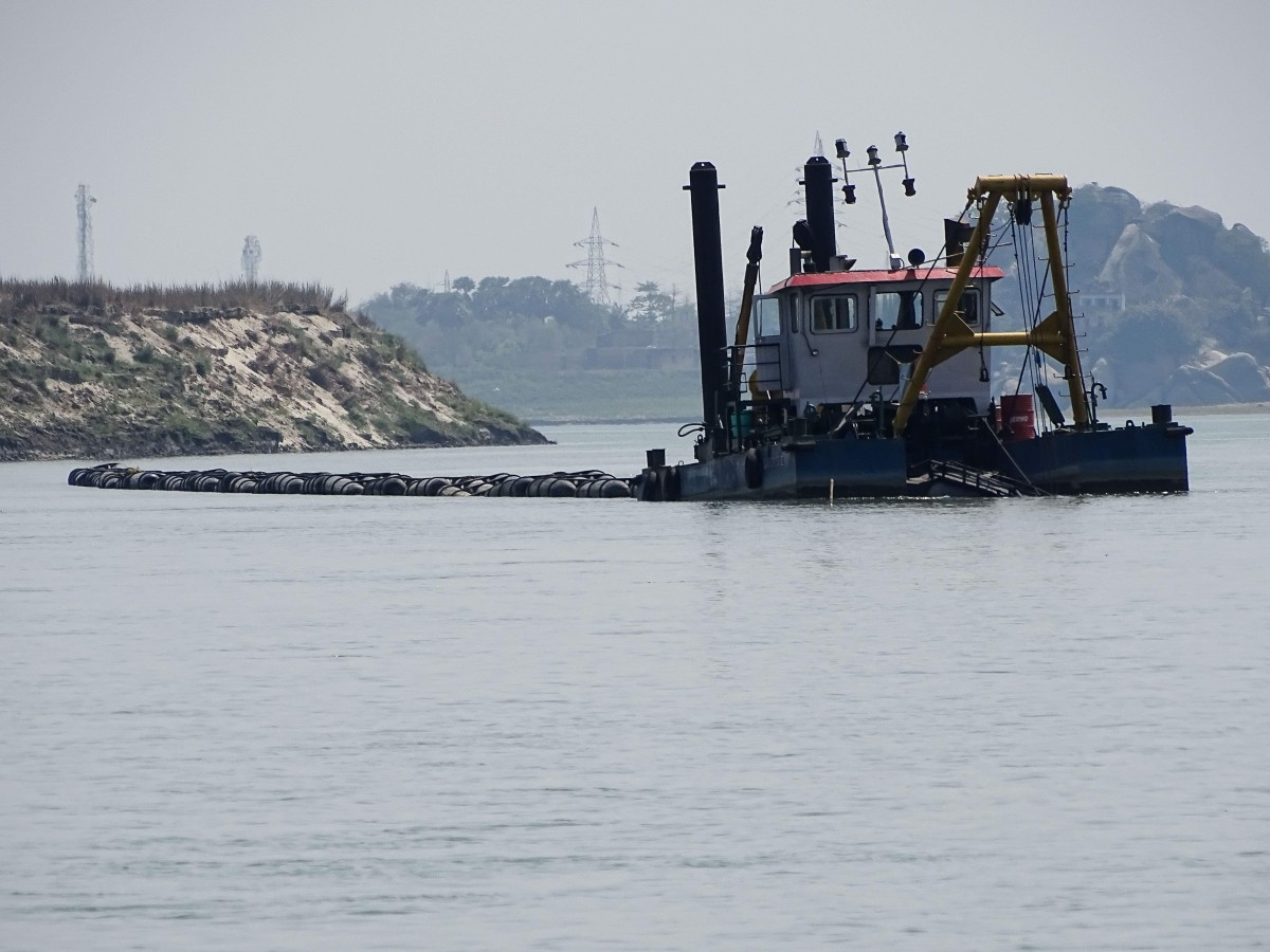 A dredger at work in the Ganga river. Photo: Mayukh Dey
