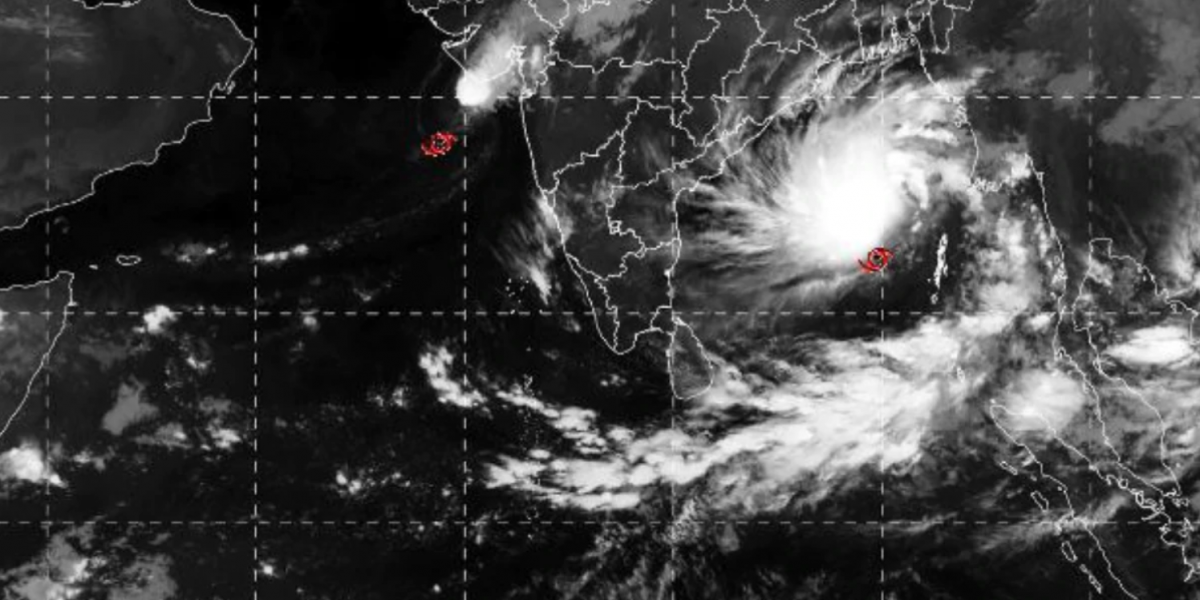 Cyclone 'Bulbul' Set to Make Landfall in Bengal, Kolkata Airport Suspends Operations for 12 Hours