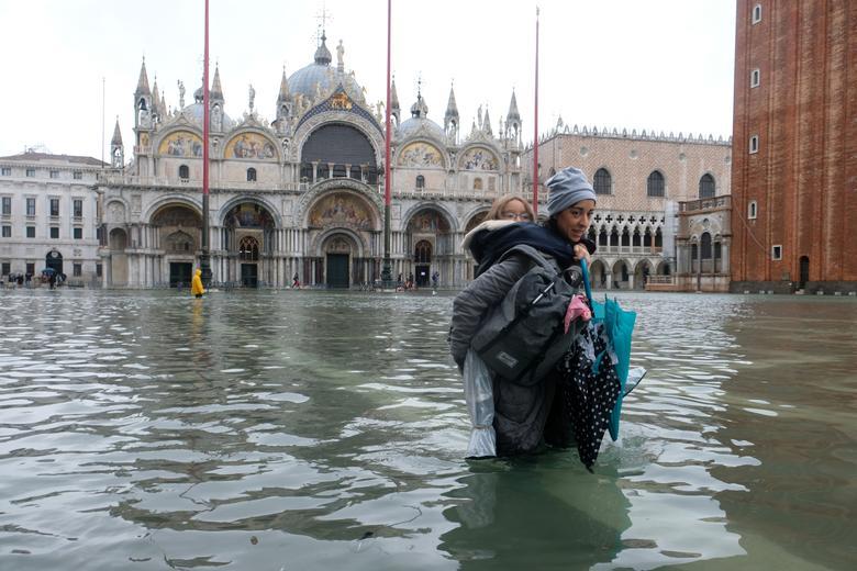 Venice Floods: Italian PM Giuseppe Conte Declares State of ...