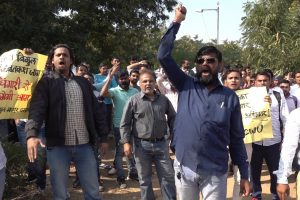 Watch | Honda Workers' Strike Enters 16th Day, Thousands on Round the Clock Sit-In