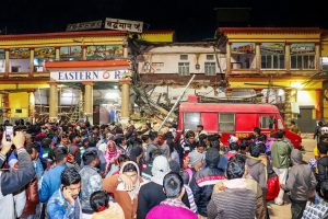One Dead in Bengal Railway Station Building Collapse
