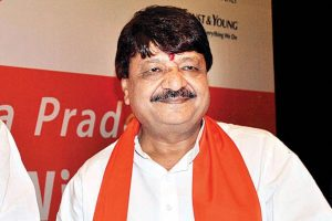 EC Issues Notice to BJP's Kailash Vijayvargiya for 'Chunnu-Munnu' Remark