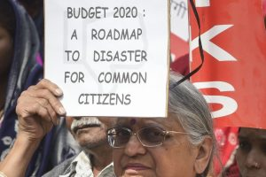Over 50 Farmer, Labour, Rights Organisations Stage Protest Against 'Anti-People' Budget