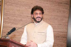 As Bluster Blows Up, AIMIM's Waris Pathan Dials Back on '15 Crore vs 100' Rhetoric