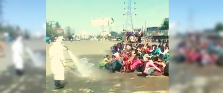 In Bareilly, Returning Migrant Workers Showered With Disinfectant on the Road
