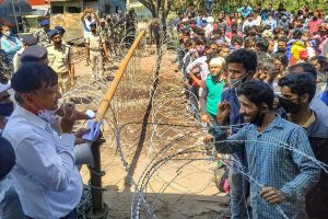 Lockdown Woes: 326 Nepali Migrant Workers Remain Stranded At The Border For 22 Hours