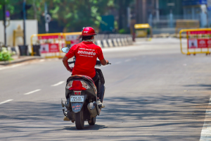The Personal and Social Risks That India's Food Delivery Workers Are Taking During COVID-19