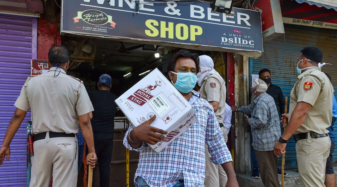 In Delhi, 70% Liquor Tax Makes Little Dent in Queues; Border Cities in UP Make Hay